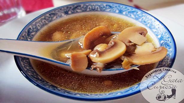 Recetas Dukan con Champiñones:  Sopa de Champiñones con Jamón