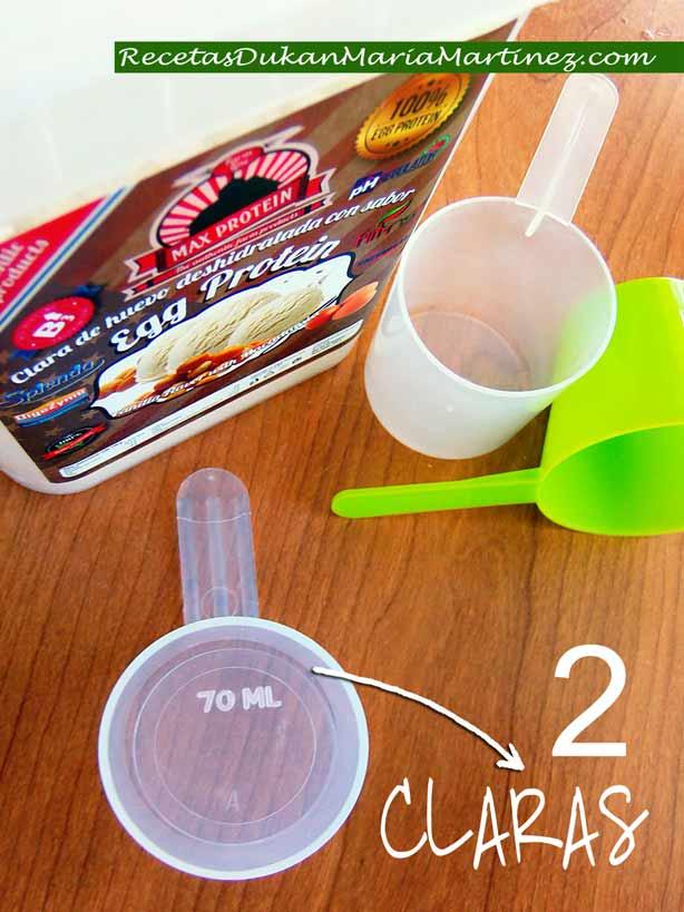 ¿Cómo mido las claras para una receta? Opción 1: usando el medidor de la proteina en polvo (1 medida = 70 ml = 2 claras)