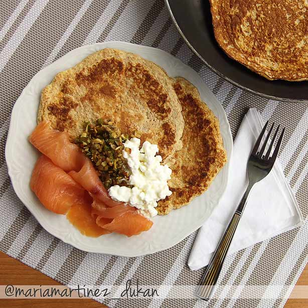 Dieta Dukan, desayuno: tortitas de salvado de avena con salmón y requesón